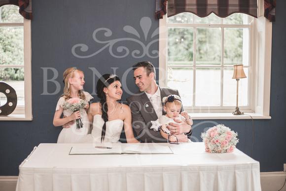 David & Rebecca Statham Lodge Wedding 01557
