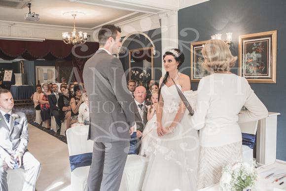 David & Rebecca Statham Lodge Wedding 01392