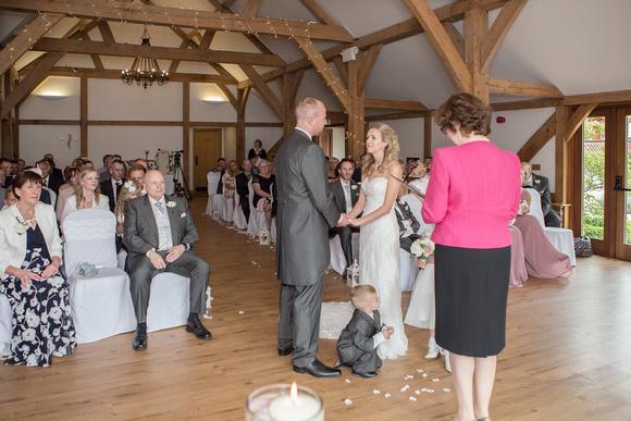 Tom _and_Lianne_Sandhole_Oak_Barn_Wedding 00469