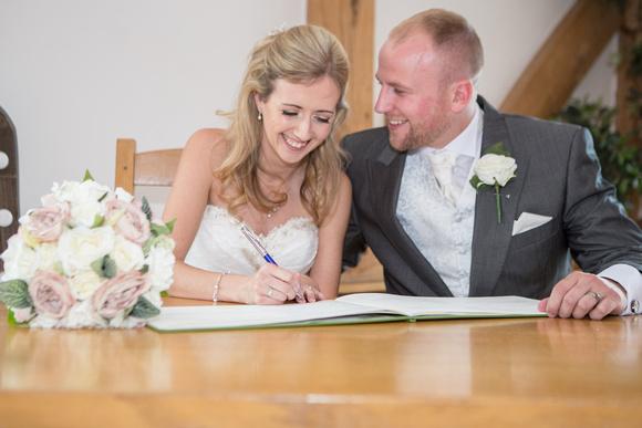 Tom _and_Lianne_Sandhole_Oak_Barn_Wedding 00551