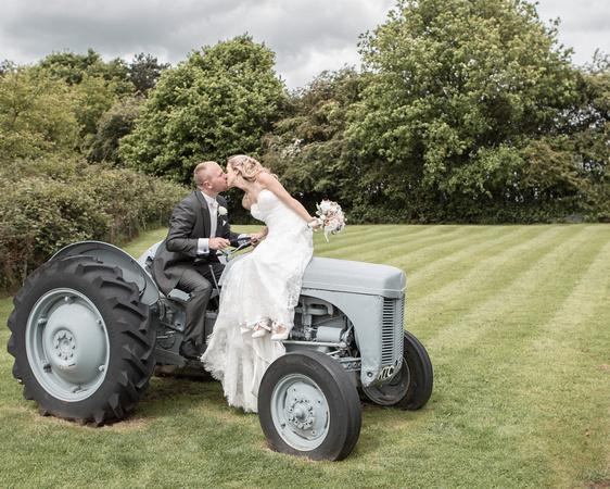 Tom _and_Lianne_Sandhole_Oak_Barn_Wedding 00772