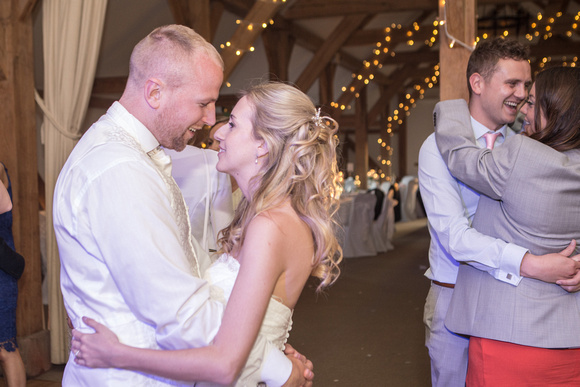 Tom _and_Lianne_Sandhole_Oak_Barn_Wedding 01910