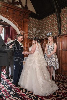 Michael_&_Laura_Worsley_Court_House_Wedding 00241
