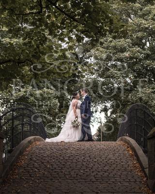 Michael_&_Laura_Worsley_Court_House_Wedding 00373