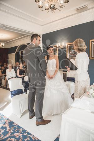 David & Rebecca Statham Lodge Wedding 01509