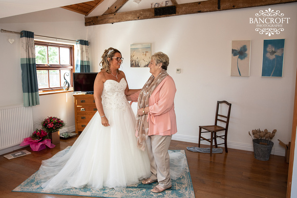 Mike & Kim - Lound Farm Wedding  00147