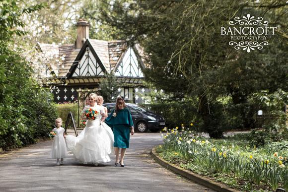 Chris_&_Louiza_Samlesbury_Hall_Wedding 00128