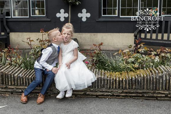 Chris_&_Louiza_Samlesbury_Hall_Wedding 00521