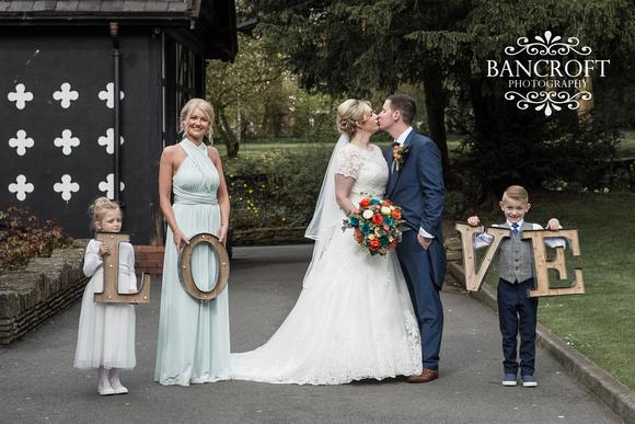 Chris_&_Louiza_Samlesbury_Hall_Wedding 00588