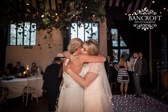 Chris_&_Louiza_Samlesbury_Hall_Wedding 00899