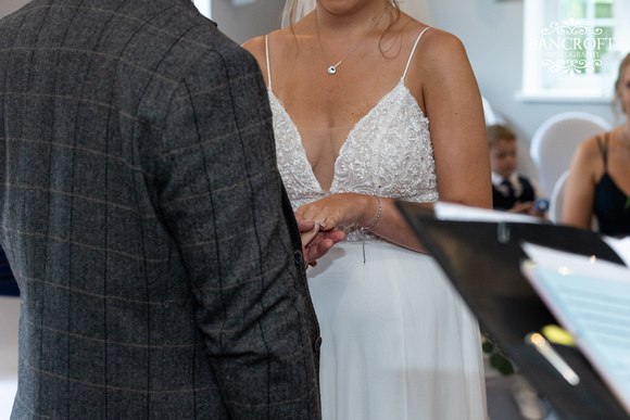 Toby & Holly - Slaters Country Inn  00308