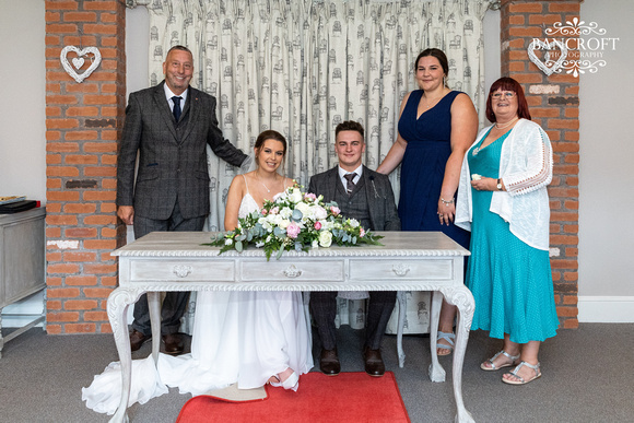 Toby & Holly - Slaters Country Inn  00350