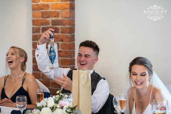 Toby & Holly - Slaters Country Inn  00780