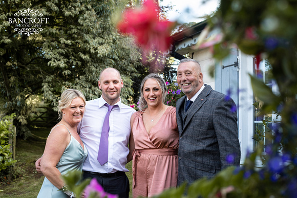 Toby & Holly - Slaters Country Inn  00920