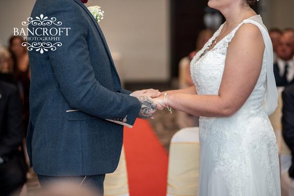 Kyle_&_Hollie_Village_Hotel_Wedding 00277