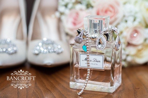 Richard_&_Sophie_Thornton_Manor_Wedding 00017
