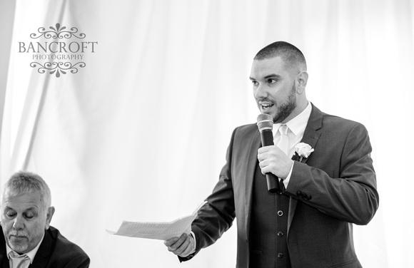 Richard_&_Sophie_Thornton_Manor_Wedding 00880