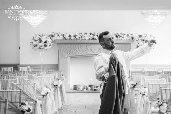 Mark & Sue - Tyn Dwr Hall Wedding 00199