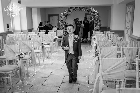 Mark & Sue - Tyn Dwr Hall Wedding 00196