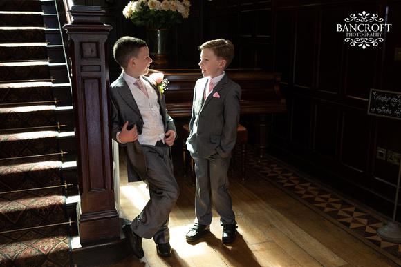 Mark & Sue - Tyn Dwr Hall Wedding 00206