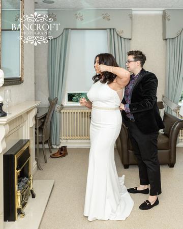 Sarah_&_Debi_Statham_Lodge_Wedding 00108