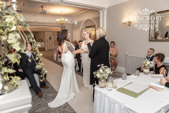 Sarah_&_Debi_Statham_Lodge_Wedding 00237