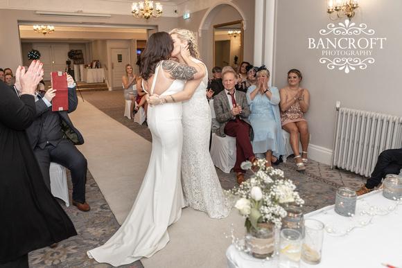 Sarah_&_Debi_Statham_Lodge_Wedding 00308