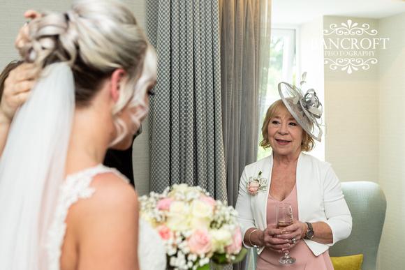 Gareth_&_Louise_Chester_Doubletree_Hilton_Wedding 00108