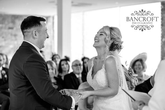 Gareth_&_Louise_Chester_Doubletree_Hilton_Wedding 00287