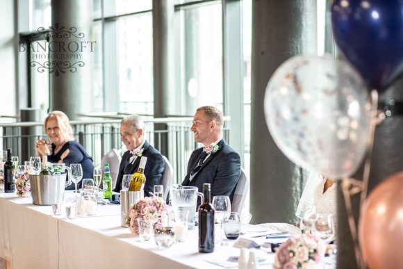 Neil_&_Louise_Titanic_Hotel_Wedding 00814