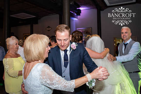 Neil_&_Louise_Titanic_Hotel_Wedding 01021