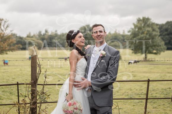 David & Rebecca Statham Lodge Wedding 01696