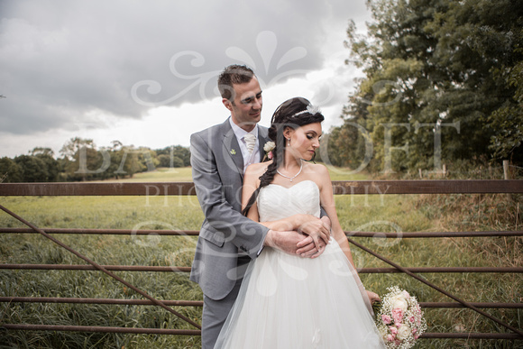 David & Rebecca Statham Lodge Wedding 01674
