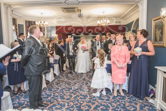 Graham-&-Jeanette-Statham Lodge Wedding - 00044