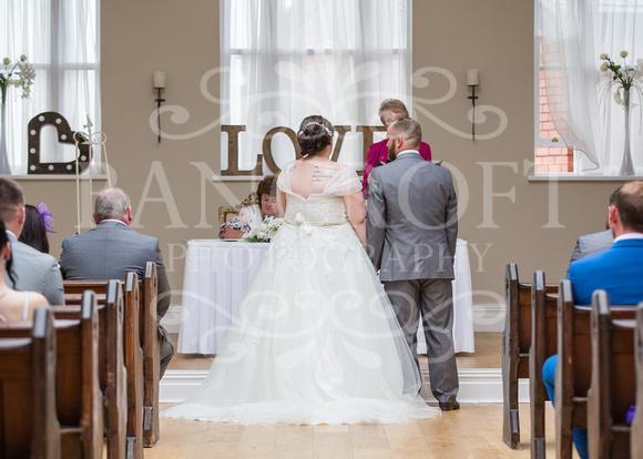Barry & Stacey Leasowe Castle Wedding 01754