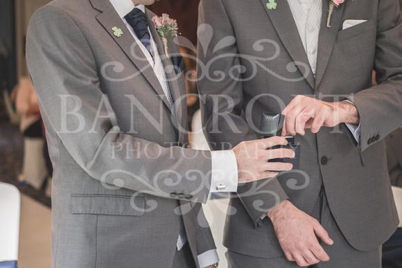 David & Rebecca Statham Lodge Wedding 01478