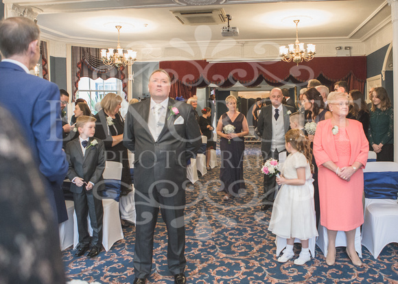 Graham-&-Jeanette-Statham Lodge Wedding - 00041