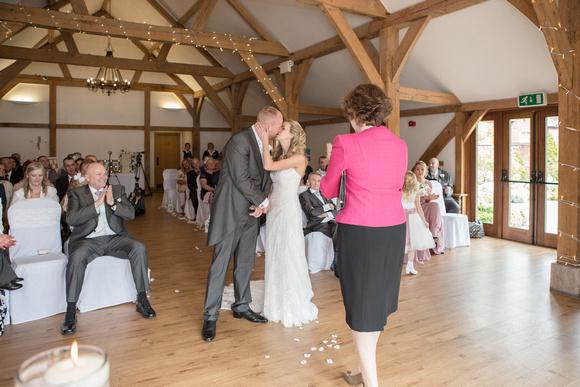 Tom _and_Lianne_Sandhole_Oak_Barn_Wedding 00532