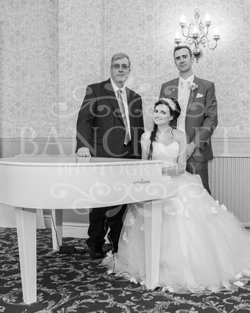 David & Rebecca Statham Lodge Wedding 02054
