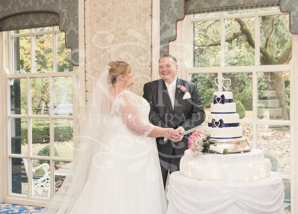 Graham-&-Jeanette-Statham Lodge Wedding - 00093