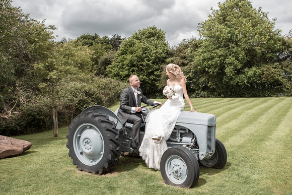 Tom _and_Lianne_Sandhole_Oak_Barn_Wedding 00781
