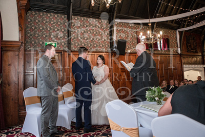 Michael_&_Laura_Worsley_Court_House_Wedding 00228