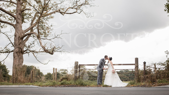 David & Rebecca Statham Lodge Wedding 01636