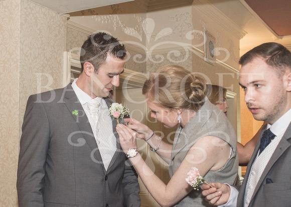 David & Rebecca Statham Lodge Wedding 00008
