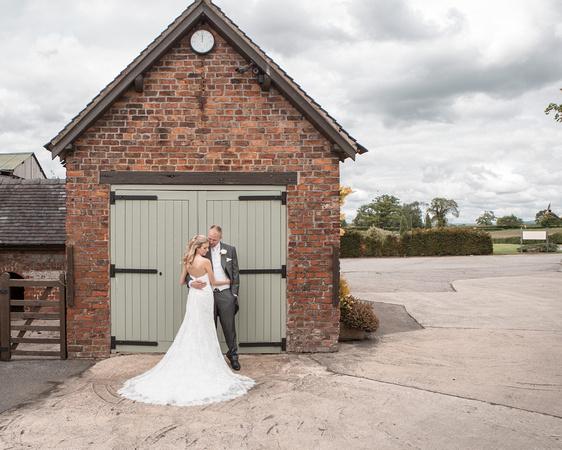 Tom _and_Lianne_Sandhole_Oak_Barn_Wedding 00802